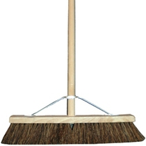 18 Inch Bassine Broom c/w 48 Inch Handle